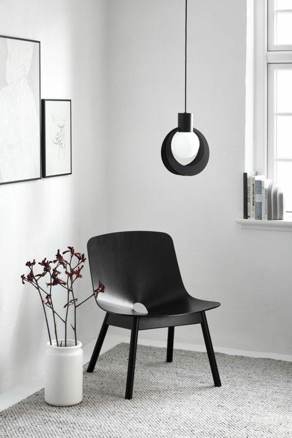 כסא שחור מעוצב - WOUD