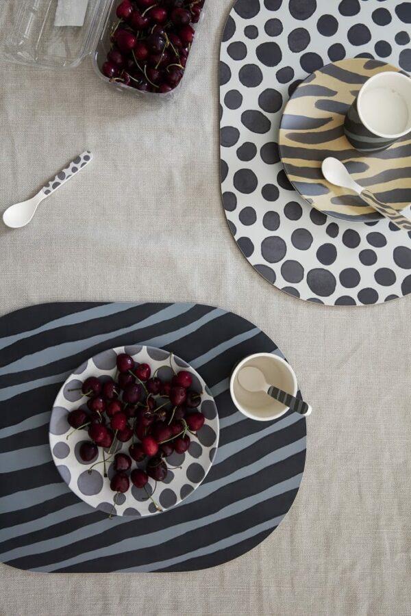 סט כלי שולחן מעוצבים לילדים דגם ספארי