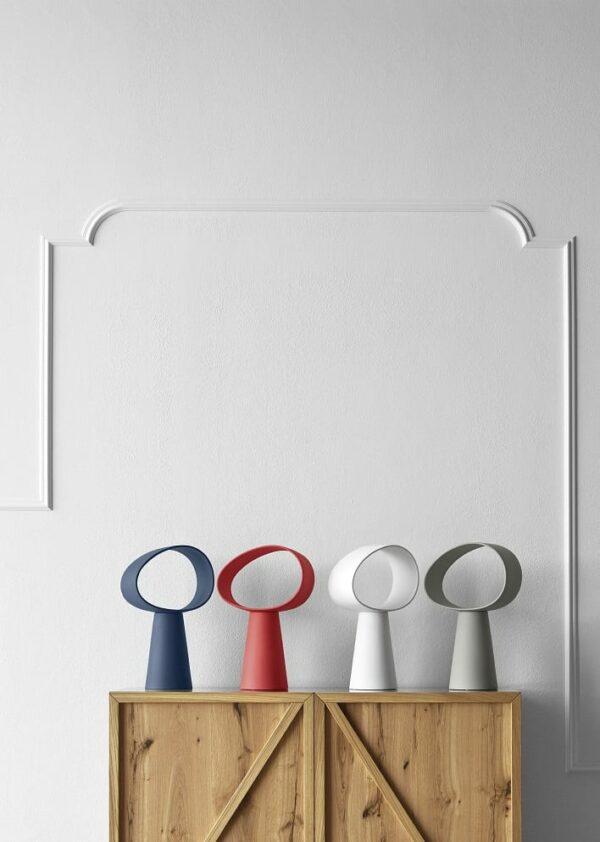 מנורת שולחן בעיצוב דינמי ומפתיע