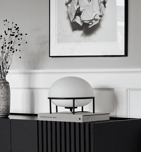 מנורת שולחן מעוצבת - ריהוט מודרני