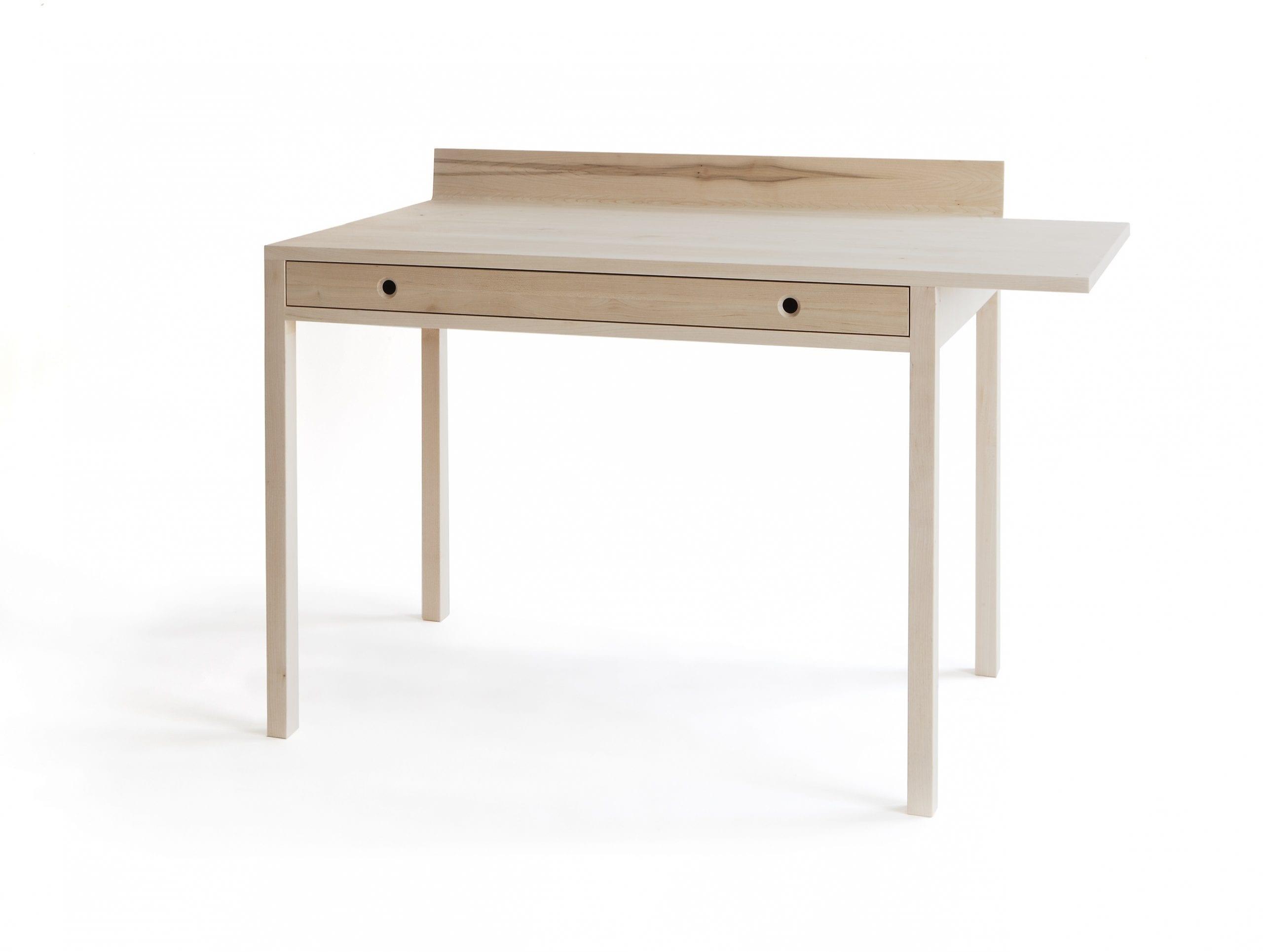 שולחן עבודה מעוצב בסגנון נורדי