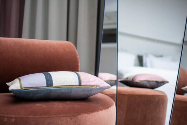 מראה לסלון עם השתקפות מ- 3 זוויות