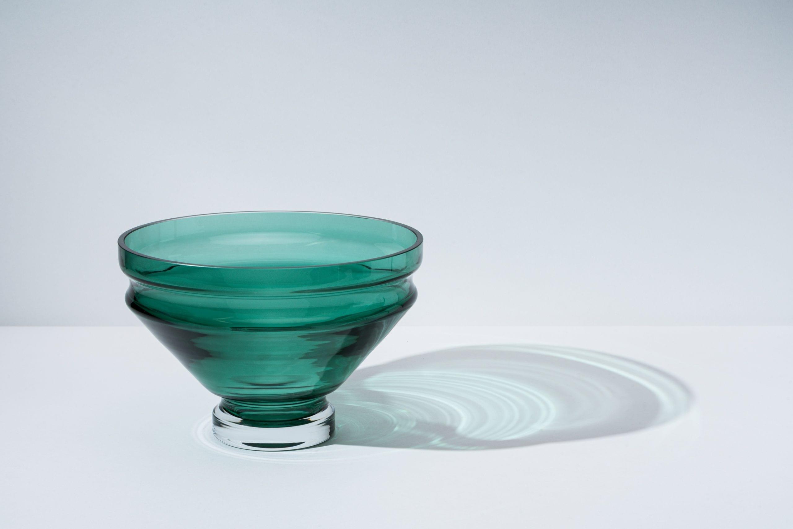 כלים מעוצבים לבית - קערת זכוכית עבודת יד