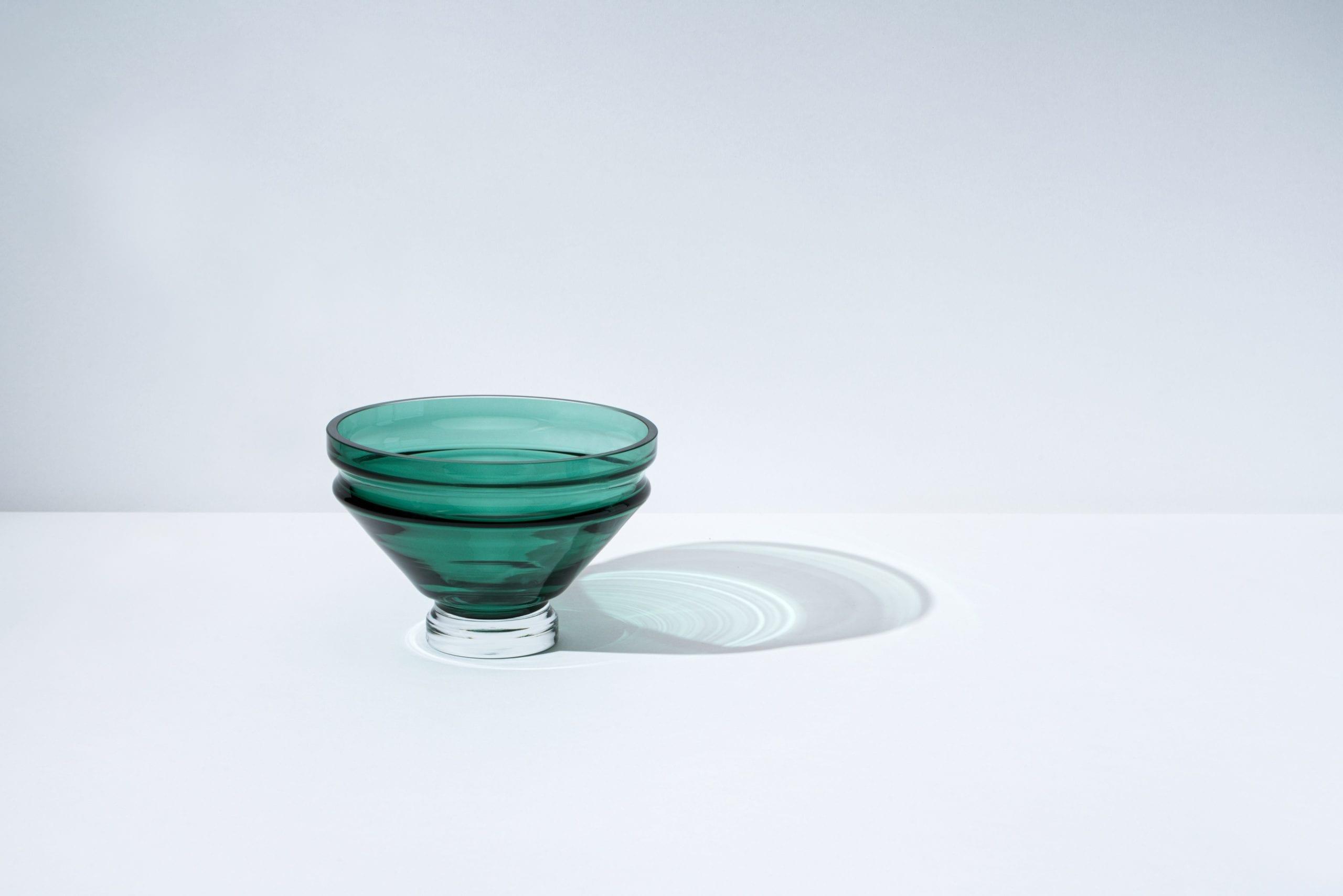 כלי אוכל יוקרתיים מזכוכית בעבודת יד