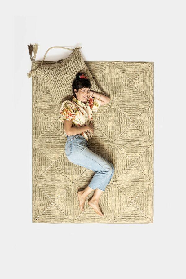 שטיח בעבודת יד OISRA