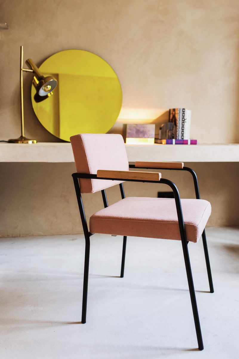large-Monday_dining_chair_Hero_331_wooden_armrest_Yves_table_light_tropicalizate_Ichi_paperweight (1)